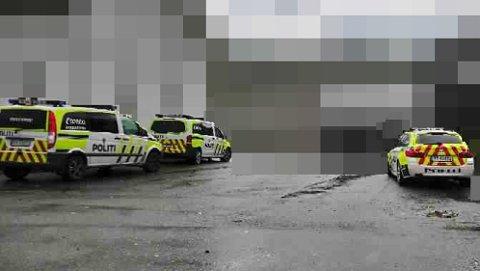 Politiet rykket ut med fire patruljer da de mottok melding om voldtekten på Gulskogen lørdag ettermiddag. Én av de siktede ble pågrepet like i nærheten av åstedet.