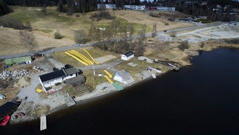 Store endringer: Vannskiklubbens område ved Mjær skal få ny innkjøring nærmere skolen og romslig parkeringsplass.