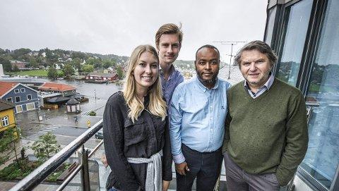 NYE ANSIKTER: Malin Krå Simonsen (22), Njål Kjølholdt Gustavsen (19), Mohamed Saleban Warsame (45)   og Jens Olav Simensen (64 i går) fra Arbeiderpartiet er blant de nye ansiktene i det nye bystyret.  Foto: Geir A. Carlsson