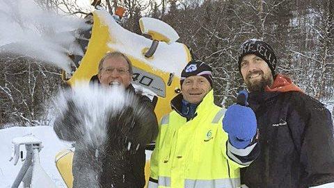TOMMEL OPP: Bjørnar Mikkelborg, Torbjørn Sneve og Jonas Parkstam i Narvikfjellet. Foto: Harald Kuraas.