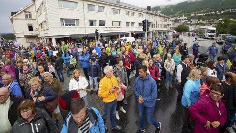 Mange kom: Det var mange som samlet seg i Narvik sentrum for å få med seg de siste kilometerne av første etappe av Arctic Race of Norway. Alle foto: Kristoffer Klem Bergersen