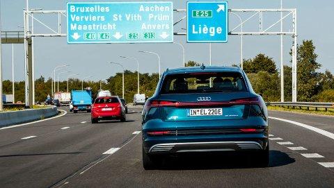 Flere og flere velger elbil på europaturen. Det kan by på noen utfordringer.