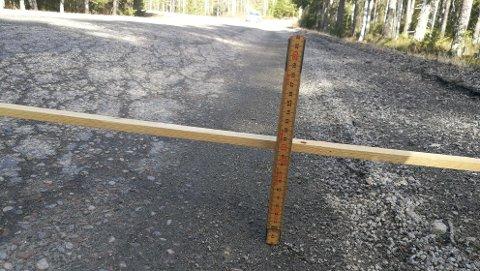 DÅRLIG: Lundersætervegen er sporete og dårlig, nå har fylkeskommunene en gla'nyhet.