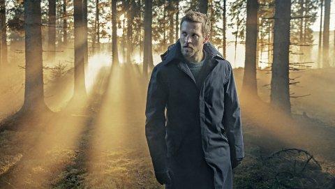 HOVEDROLLEINNEHAVER: Tobias Santelmann skal spille politimann i dramaserien «Grenseland». Foto: TV 2