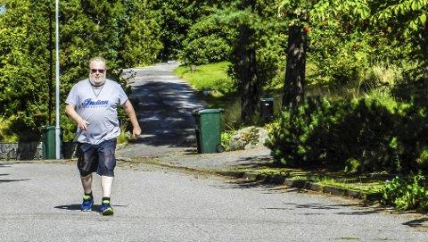 SAMFUNNSDEBATTANT: Tom Skjeklesæther. Har han startet treningen til «Farmen Kjendis» allerede?