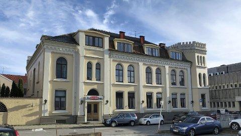 SAMFUNDET: Politikerne fattet et vedtak hvor de er positive til at Halden Kulturrådetablerer en stiftelse for å ta over bygningen og driften. (foto: Jens Bakke)