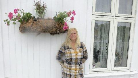 VILLA KORNSJØ: Belinda Abbott har funnet drømmestedet sitt. Et kjempehus i grenseland.