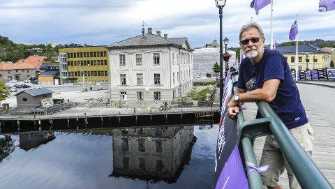 FORKLARER: Jan Erik Andersen forklarer hvorfor Rødt Halden stemte som de gjorde om Os-prosjektet i kommunestyret.
