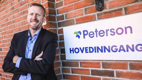 BIOGASS: Dan Johannessen, administrerende direktør for Peterson Packaging i Norge, Sverige og Danmark, er fornøyd med at den nye fabrikken på Svinesundparken skal ha biogass som energikilde.