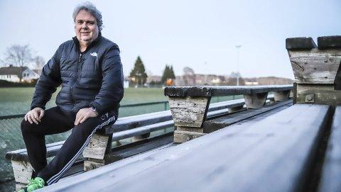 VIL HØRES:  TTIF har nå engasjert en trener som kommer til å sette spor etter seg. Lasse Trulsen er typen som markerer seg med stort engasjement. Han gleder seg til å ta fatt, og skryter av både treningsforholdene og miljøet i klubben han nå er blitt trener i.