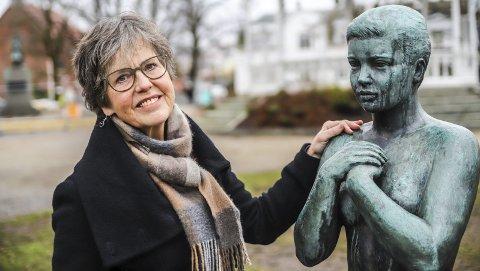 Glad i Halden: Anne Hasle hadde tenkt å være lege i Halden ett års tid da hun kom hit som helt nyutdannet i 1979. Sånn gikk det ikke! Oslo-kvinnen er blitt svært glad i byen vår. Nå pensjonerer hun seg etter 40 år som fastlege.