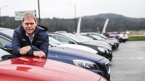 Har landet: Kjell Åge Holter har alltid likt å jobbe mye, og er en type som går «all in» når han blir entusiastisk. Han har jobbet med veldig mye forskjellig opp gjennom årene. Nå føler han at han har landet – for godt. Som daglig leder i Jensen & Scheele Bil AS.