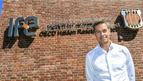 GRANSKET: Nils Morten Huseby er øverste leder i IFE. Han kan i dag fortelle at selskapet har anmeldt forhold ved Haldenreaktoren til Økokrim etter at en ekstern granskningsrapport har avdekket misligheter ved fire prosjekter i Halden flere år tilbake i tid.