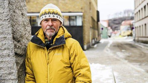 Jobber på: Lasse Henriksen fyller 71 år den 5. mars. Han har prøvd å bli pensjonist flere ganger, men innrømmer at han sliter med å få det helt til. Og akkurat nå er det rett og slett utelukket.
