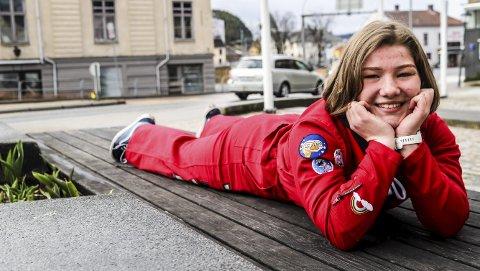 «Veslevoksen»: – Jeg har alltid vært litt veslevoksen, og selvstendig. Jeg liker å tråkke opp mine egne stier, sier Celine Sva Gøperød.