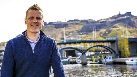 Hjembyen: Morten Ulekleiv er veldig glad i hjembyen sin. Han synes Halden har akkurat passe størrelse, og at den har utviklet seg i riktig retning. Ikke minst setter han pris på alle de små møteplassene som er skapt de siste årene. For eksempel skøytebane og lekeplass i Busterudparken, og den nye byparken ved Tista som snart skal åpnes.