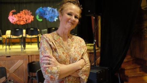Ruth WilhelmineMeyer trollbandt sitt publikum på Krossvoll og selv er hun meget begeistret over HMF og Hardanger.