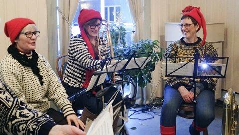 Gammeldags jul: Også i år blir det gammeldags jul på Kulturverkstedet. Bildet er fra 2017 og viser noen av musikerne i Knut sine Høner.