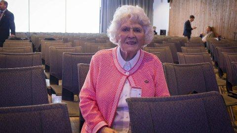 NYSGJERRIG: Haldis Hamre (92) meldte seg på konferansen for å holde seg oppdatert om lokalt næringsliv.