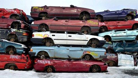 Ikke rent få biler havner her, hos en bilopphugger, etter å ha fått stryk i EU-kontrollen.