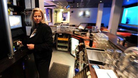 Hotelldirektør Janne Johansen legger ikke skjul på at skjenkesaken er en vond sak for Quality Hotel Grand. Hun ber det politiske utvalget innstedig om å se helheten i saken.