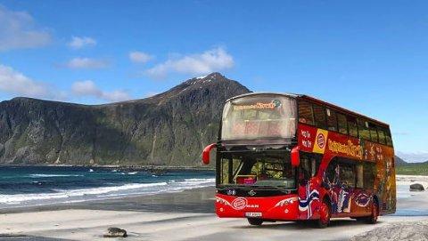TIL LOFOTEN: Selskapet Stromma Tourism ønsker å starte opp med dobbeltdekkerbusser i Lofoten.