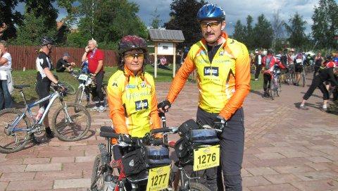 Nancy Bakkelund og Rune Myrvold under sykkel-løpet Vasan.
