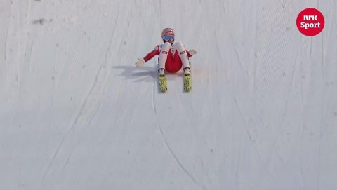 Var rumpa til Stefan Kraft nedi bakken her eller ikke? Ja, mente dommer Nicolai Sebergsen fra Tromsø.