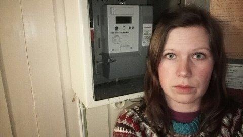 STRØMSJOKK: Caroline Sjøtun fikk strømregning på over 3000 kroner. Nå har hun byttet leverandør.