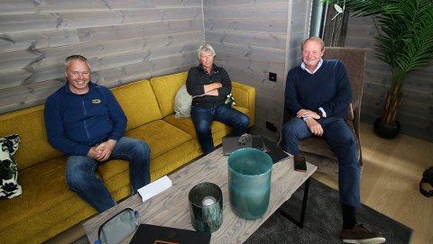 F.v.: Direktør Atle Hovi, Beitostølen Resort, daglig leder Terje Fahre, Beitostølen Invest og eiendomsmegler Anders Lysholm, Dyve&Partnere.