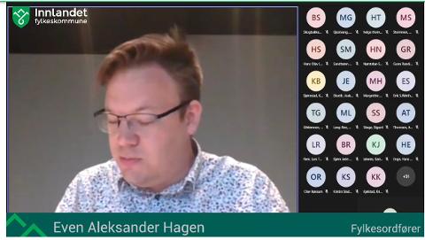 DIGITALT MØTE: Fylkesordfører Even Aleksander Hagen (Ap) ville ikke be om ny politisk sak om Valdres vidaregåande skule.