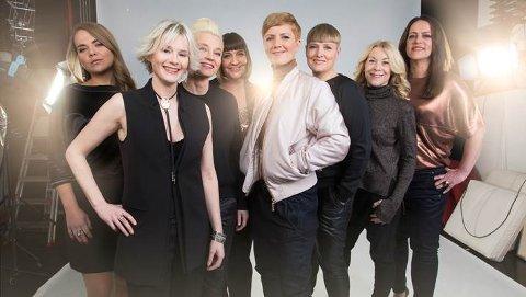 FINALEKLARE: Tonje Gjevjon (nr 5 fra venstre) er leder og låtskriver i The Hungry Hearts. Med låten Laika er de blant de ti finalistene til norske Melodi Grand Prix.