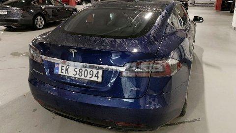 IKKE IMPONERT: Anders Lagerqvist er ikke imponert over behandlingen han har fått fra Tesla. Nå selger han sin Model S, på en ganske spesiell måte.