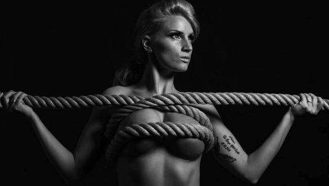 KREATIV FORAN KAMERAET: Cathrina Hell Lykke liker seg foran kameraet. Nå er hun kåret til årets Vi Menn-pike 2015. (Foto: Per Ottar Walderhaug)