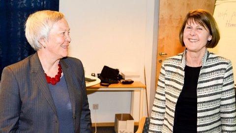 ER ENIGE: HiL-rektor Kathrine Skretting (t.v.) og HH-rektor Anna L. Ottosen har kommet til enighet i fusjonsforhandlingene. (Foto: Bjørn-Frode Løvlund)