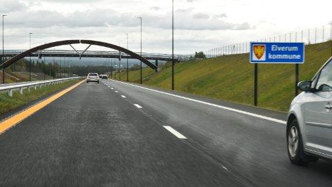 UTEN NAVN: Nye riksveg 3/25 mellom Løten og Elverum.