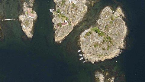 Populær øy: Andelslaget ønsker å gjøre det populære utfartsområdet enda bedre tilrettelagt. Da står en badeflåte på ønskelisten på øya nærmest. Den tenkes mellom øya og de små skjærene. Foto: 1881