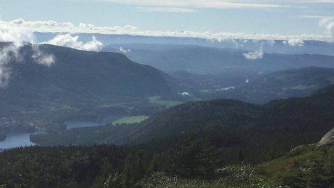 NYTT HYTTEFELT: Slik er utsikten fra Gunbjørrud, som blir et nytt hytteområde på Vikerfjell. 36 tomter planlegges. Saken skal snart til politisk behandling.