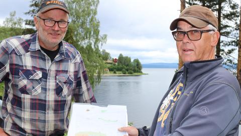 STORE PLANER: Tollef Backe (f.v.) og Odd Eivind Gabrielsen venter på ja fra Vegvesenet for å starte opp.