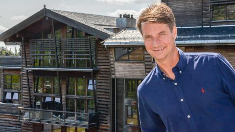 Resortsjef Marius Arnesen forteller om en økning på omlag 50 prosent på Norefjell Ski og Spa i juli isolert sett.