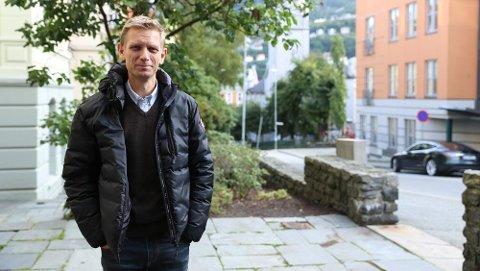 ELITE: - Dette er veldig typisk for A-laget i norske kommunestyrer, sier professor og statsviter Jacob Aars ved Universitetet i Bergen om oversikten over de to mest sannsynlige kandidatene til å bli ordførere i Telemark. FOTO: UNIVERSITETET I BERGEN