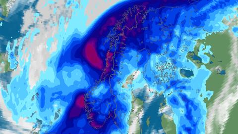 REGNVÆR: Bildet viser de to lavtrykkene som i løpet av uka kommer inn over Norge.
