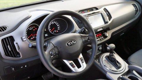 Bilen er både velkjørende og godt utstyrt.