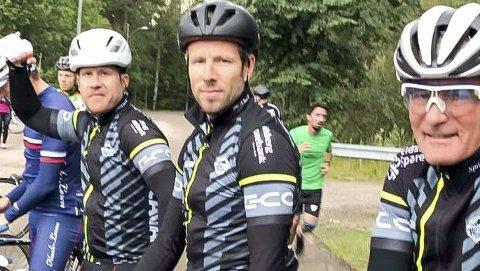 SMAALENENE-GJENG: Frank Robert Nilsen (f.v.), Gunnar Alvim og Per Evjen tok utfordringen om å stille i rittet.