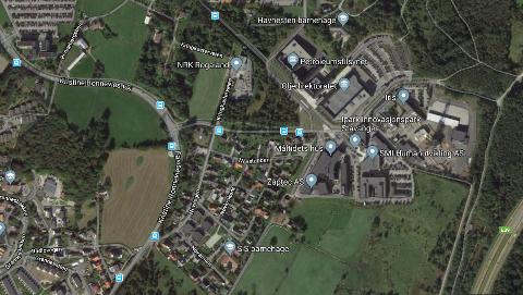 Sykehuset, som skal bygges i området nede til høyre i kartet, vil ligge tett opp til et ekspanderende universitets- og forskningssted. Det er lite realistisk å tro at dette ikke vil generere mer bilbruk.