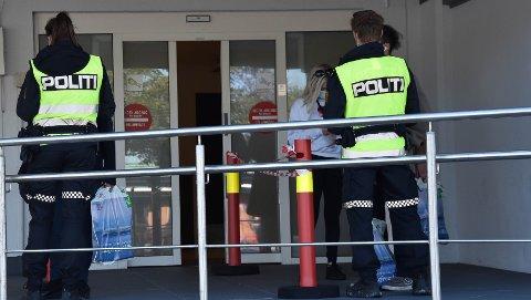 TOLL: Ved ankomst til Sandefjord kan du risikere å bli stanset for tollkontroll. 22. september meldte passasjerene som avisa snakket med, at det ikke var tollpersonell på stedet da Color Line kom fra Strömstad klokken 16.10. FOTO: Vibeke Bjerkaas