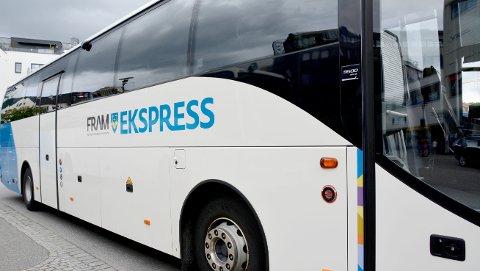 Fram kjører busslinje mellom Trondheim og byene i Møre og Romsdal på linje 905. Her må reisende bruke munnbind, etter et nytt vedtak i Trondheim kommune tirsdag.