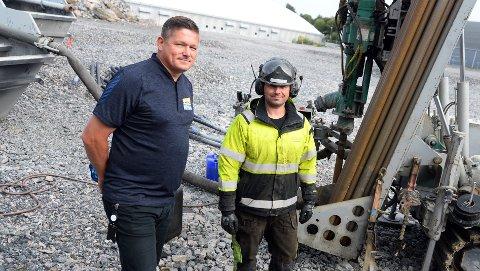 Per Inge Storvik er spent på hva prislappen for byggetrinn to på Atlanten blir. Her sammen med Einar Jansons tidligere i år.