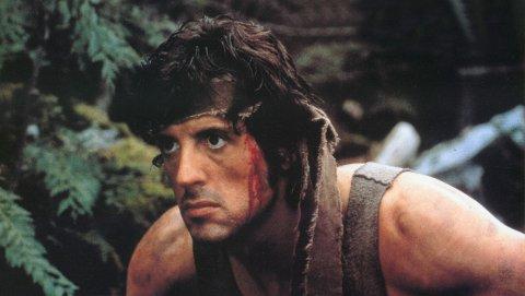 KJØR ACTION: Sylvester Stallone som Rambo stiller opp i filmklubben denne våren.