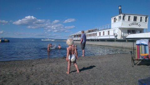 FEIRING: Den idylliske restauranten Viken ll i Evjua Strandpark kan feire 15 driftsår i sommer. Lørdag blir det utsolgt bryggefest.